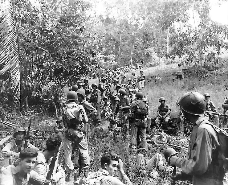 Quelle épidémie décima l'armée japonaise durant la bataille de Guadalcanal ?