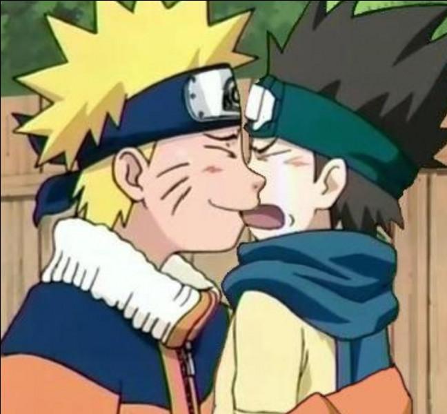 Comment s'appelle le petit-fils du troisième Hokage qui admire Naruto ?
