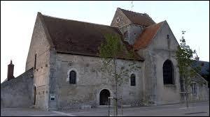 Notre balade commence aujourd'hui devant l'église Saint-Lubin, à Averdon. Commune Loir-et-Chérienne, elle se situe en région ...