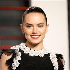 """Daisy Ridley a joué dans """"Star Wars, épisode VIII : Les Derniers Jedi""""."""