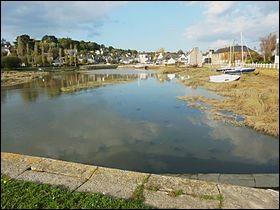 Daoulas est une commune du département du Finistère.
