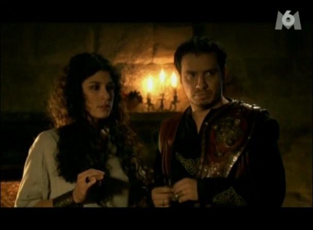 Lorsque le Roi Arthur présente Aélis, le soir même Démétra lui dit que sa sœur, qui a le type latin comme elle, se trouvait au bout d'un champ. Mais un champ de quoi ?