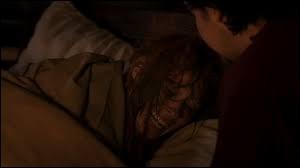 """Lorsque la Dame du Lac bafouille """"Ils m'ont ba ...ba ...ba ..."""", quel mot Arthur ne prononce-t-il pas ?"""