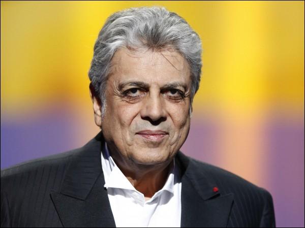 """Ce chanteur a connu la popularité dans les années 60 avec """"Enfants de tous pays"""", """"Paris, tu m'as pris dans tes bras"""", """"Les gens du Nord"""". Il se prénomme ..."""