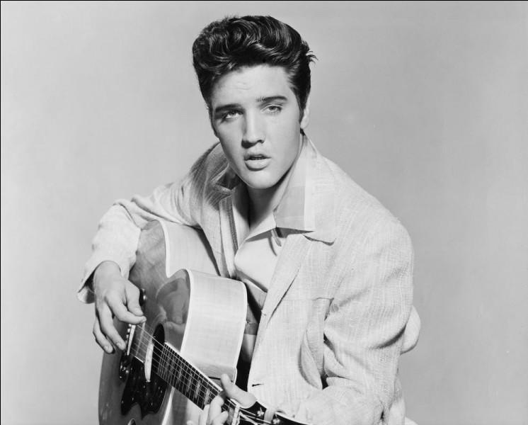 """Ce chanteur, surnommé """"The King"""", icône du rock, se prénommait ..."""