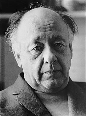 """Cet auteur de pièces de théâtre comme """"La cantatrice chauve"""", """"Les chaises"""", """"Rhinocéros"""", """"Le roi se meurt"""", c'est ... Ionesco."""
