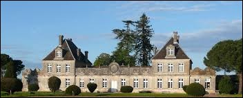 Je vous propose de partir en Nouvelle-Aquitaine à la découverte du château du château de Cérons. Ville de l'aire urbaine Bordelaise, elle se situe dans le département ...
