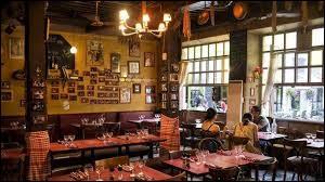 Quel nom portent les restaurants typiques de Lyon ?