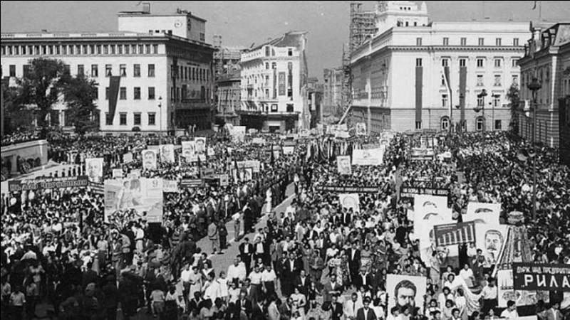 Fin 1944, quel pays n'est plus dans la sphère nazie ?