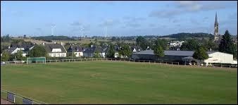 Aujourd'hui, nous commençons notre balade en Haute-Bretagne, à Balazé. Ville de la couronne périurbaine de Vitré, elle se situe dans le département ...