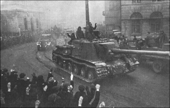 Le 12 janvier, l'Armée rouge lance l'offensive Vistule-Oder. Qu'est-ce qui est faux ?