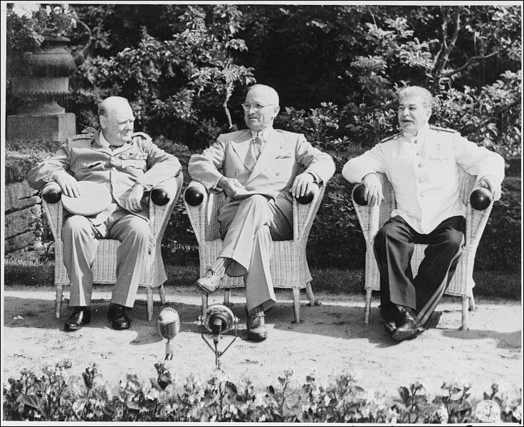 Où eu lieu la conférence de Potsdam, la dernière à réunir les dirigeants alliés ?