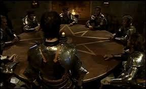Arthur a viré Agravain pour lui faire une place à la Table Ronde :