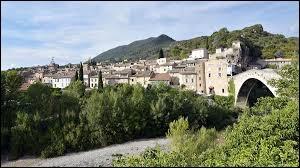 Les habitants de Nyons (Drôme) sont des ...
