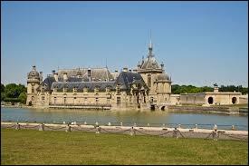 Partons à Chantilly (Oise), ville connue pour son château, où les habitants se nomment les ...