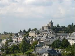 Qu'associe-t-on à la ville de Laguiole, en Aveyron ?