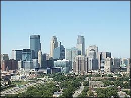 Sur quel fleuve la ville de Minneapolis se trouve-t-elle ?