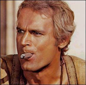 Acteur né le 29 mars 1939Films principaux : Mon nom est Personne - On l'appelle Trinita - Deux Super-flics