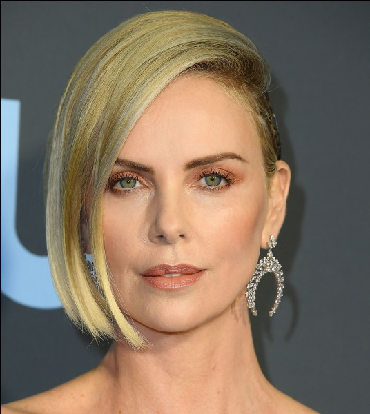 Dans quel genre a-t-on le plus vu Charlize Theron ?