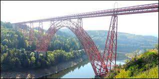 Le viaduc de Garabit se situe dans le département de la Mayenne.