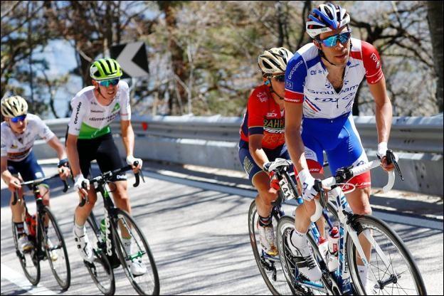 En cyclisme, quel mot désigne le tour d'Italie dans sa langue d'origine ?