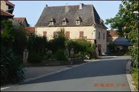Je vous propose de commencer la semaine en Occitanie, à Anglars-Saint-Félix. Commune de l'arrondissement de Villefranche-de-Rouergue, elle se situe dans le département ...