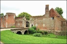 Je vous propose de partir à la découverte du château du Hallier à Nibelle. Commune du Centre-Val-de-Loire, dans la région agricole de l'Orléanais, elle se situe dans le département ...