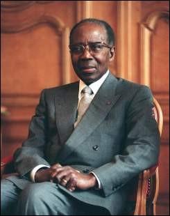Poète, écrivain, français puis sénégalais, premier président de la République du Sénégal, membre à l'Académie française, il se prénomme ...