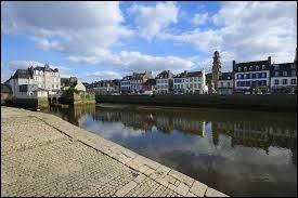 Comment appelle-t-on les habitants de Landerneau (Finistère) ?