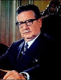 De quel pays Salvador Allende a-t-il été le président de la République ?