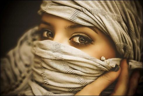 Citation de Michèle Bernier : La beauté intérieure c'est important mais, en boite de nuit, si tu n'as pas la beauté extérieure, ... !