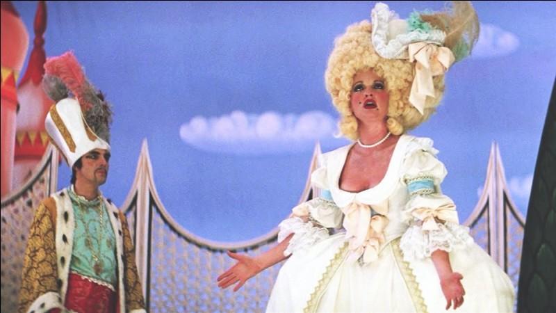 """Dans le film, on peut voir cette cantatrice soprano autrichienne, qui aurait eu une liaison avec Mozart. Ce dernier lui écrira d'ailleurs les rôles de Constance dans """"L'Enlèvement au sérail"""" et de Madame Silberklang dans """"Der Schauspieldirektoron"""". Quelle est cette cantatrice ?"""