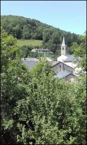 Petit tour dans le Massif Central, à Espérausses. Village Tarnais, dans les monts de Lacaune et dans le parc naturel régional du Haut-Languedoc, il se situe en région ...