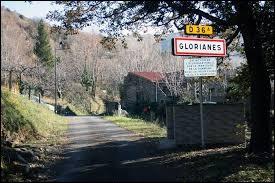 Petit village Catalan de 25 habitants, dans la région naturelle du Conflent, Glorianes se situe dans l'ancienne région ...