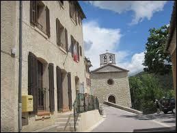 Village azuréen dans la haute vallée de l'Artuby, La Martre se situe dans le département ...