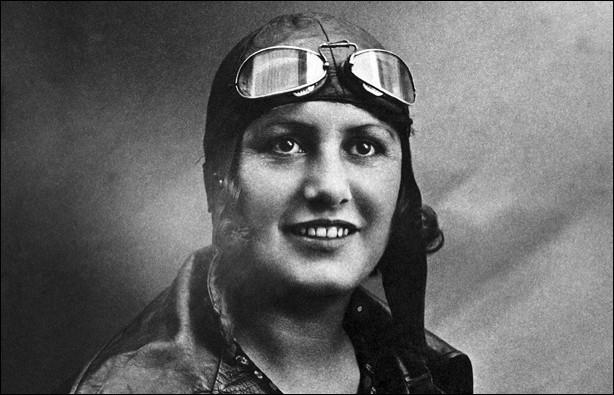 Cette aviatrice française, qui a battu de nombreux records aériens entre 1928 et 1934 et réalisé la traversée de l'Atlantique Sud en 1936, c'est ... Bastié