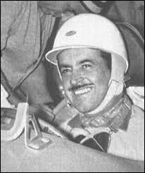 Ce pilote automobile, avec ses deux victoires à Monaco en 1955 et 1958, a été le premier Français à gagner un Grand Prix comptant pour le championnat du monde de la Formule 1. C'est ... Trintignant.