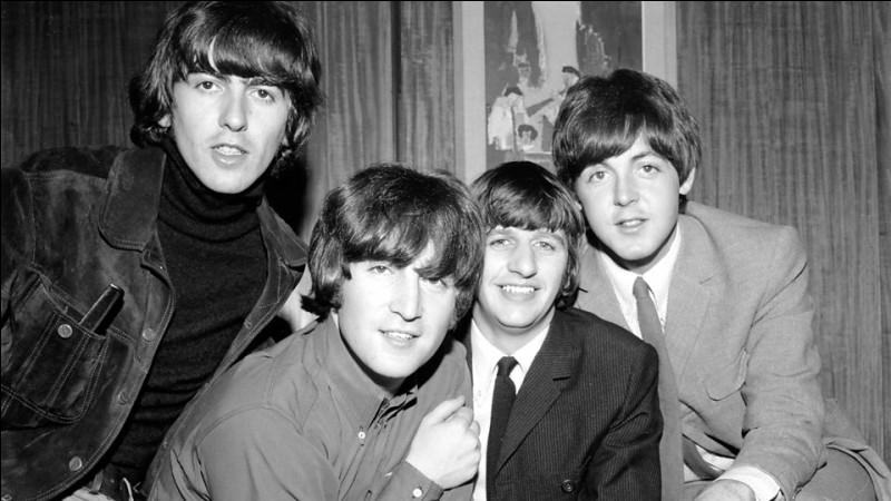"""Dans le répertoire des Beatles, la chanson """"Hey Jude"""" est interprétée par John Lennon."""