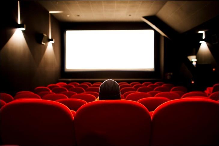 """Le terme """"flashback"""" est utilisé dans le milieu du cinéma."""