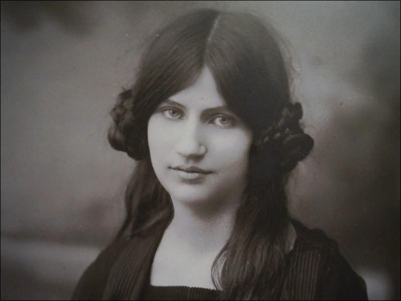 Jeanne Hébuterne était la muse du peintre Amedeo Modigliani.