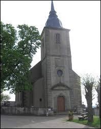 Je vous propose de commencer notre balade devant l'église Saint-Hippolyte de Bérig-Vintrange. Village de l'ancienne région Lorraine, il se situe dans le département ...