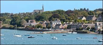 Je vous emmène en Bretagne, au port de Mordreuc, à Pleudihen-sur-Rance. Ville de l'agglomération Dinannaise, elle se situe dans le département ...