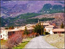 Petit village Haut-Alpin de 31 habitants, au cœur des Baronnies, Saint-Pierre-Avez se situe en région ...