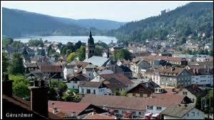 Petit tour à Gérardmer (Vosges), surnommée la Perle des Vosges. Les habitants de cette ville portent le gentilé ...