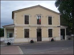 Nous terminons cette balade en Gironde, à Soulignac. Nous sommes dans l'ancienne région ...