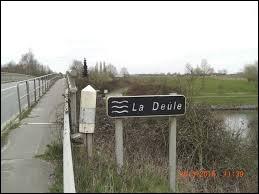 La Deûle traverse entre autres la ville de Lille.