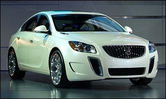 Cette berline américaine est produite par une filiale de GM, plus particulièrement la marque aux trois boucliers. Saurez-vous la nommer ?