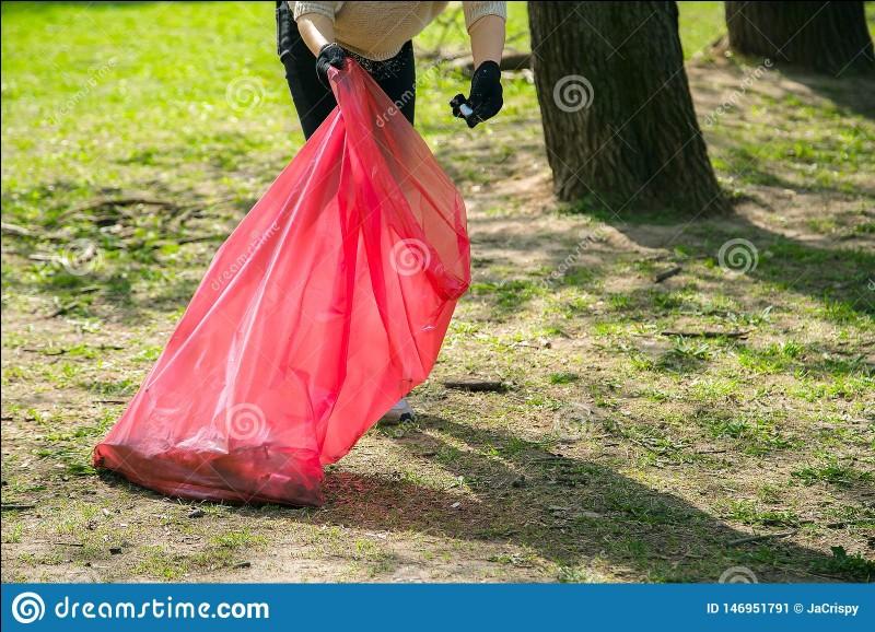 Comment appelle-t-on le métier qui consiste à ramasser les déchets ?