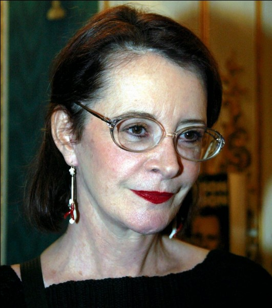 """Elle a été Mathilda dans """"Courage fuyons"""", Mme Rapons dans """"Trois hommes et un couffin"""", Irène Fonfrin, la femme de Raoul dans """"Quelques jours avec moi"""" : c'est ..."""