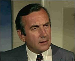 """Il était Lucien Darbon, le père de Claude Jade, dans les films de François Truffaut, """"Baisers volés"""" et """"Domicile conjugal"""",le préfet de police dans """"L'Incorrigible"""" et l'avocat Lucien Lacor dans """"Mort d'un pourri"""" : c'est ..."""